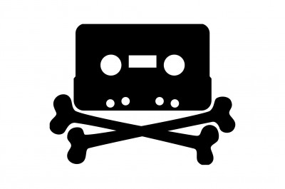 Piracy (image by ClkerFreeVectorImages [CC0] via pixabay)1-2