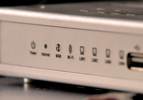 Wifi Router (adapted) (Image by Sunil Soundarapandian [CC BY 2.0] via flickr)