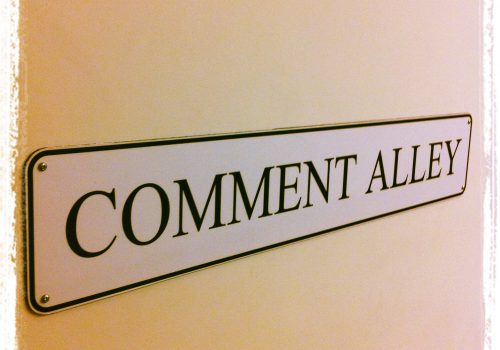 Comment Alley (adapted) (Image by Howard Lake [CC BY-SA 2.0] via Flickr