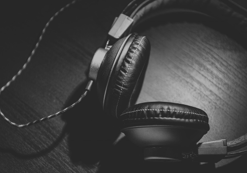 Headphone (Image by Unsplash (CC0 Public Domain) via Pixabay)