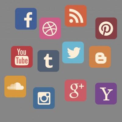 Social Media (image by stux [CC0 Public Domain] via pixabay)new