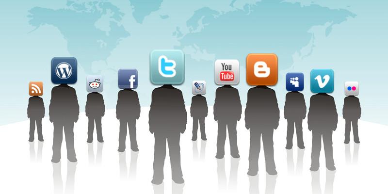 Social Media 01 (adapted) (Image by Rosaura Ochoa [CC BY 2.0] via Flickr)