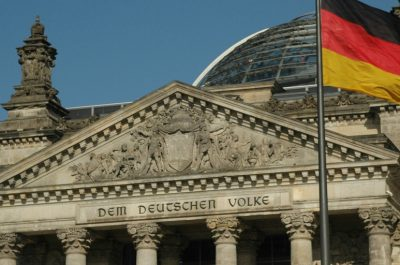 Bundestag (adapted) (Image by Herman [CC BY-SA 2.0] via flickr)