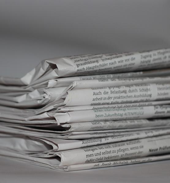 Nachrichten (adapted) (Image by hzv_westfalen_de [CC0 Public Domain] via Pixabay)