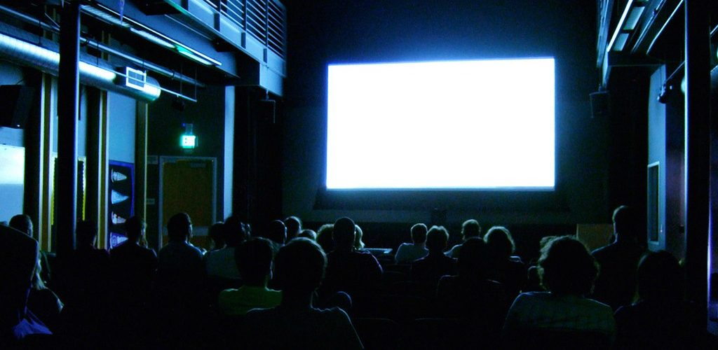 Watching a blank screen (adapted) (Image by Kenneth Lu [CC BY 2.0] via flickr)