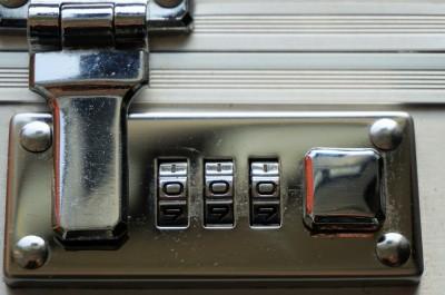 Combination Lock (Image by webandi [CC0 Public Domain], via Pixabay)
