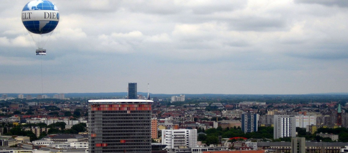Die Welt Balloon over Berlin (Image by Thomasz Sienicki [CC BY 3.0] via Wikimedia Commons)