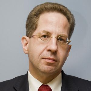 Hans-Georg Maaßen (Image by Bundesministerium des Innern_Sandy Thieme (CC BY-SA 3.0) via wikipedia