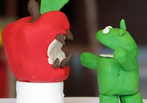 The raging battle between Apple's iPhone and Google's Android (adapted) (Image by Tsahi Levent Levi [CC BY-SA 2.0] via Flickr)