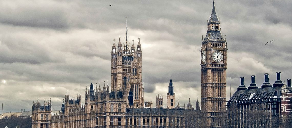 Westminster (adapted) (Image by Hernán Piñera [CC BY-SA 2.0] via flickr)