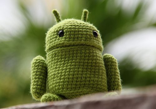 Google Android Amigurumi (adapted) (Image by Kham Tran [CC BY 2.0] via Flickr)