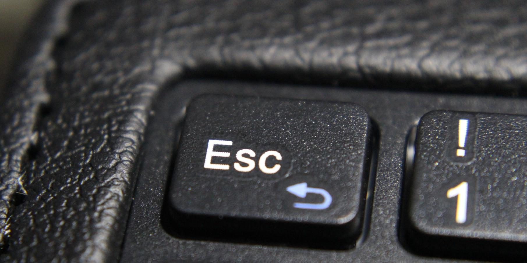 Tastatur esc image by silvia stoedter cc0 public domain via pixabay