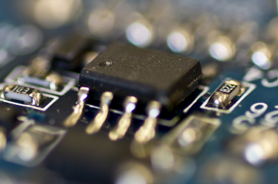 chip (adapted) (Image by Sebastian [CC BY-SA 2.0] via Flickr)
