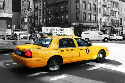 taxi (image by laurapuig4 [CC0] via pixabay)