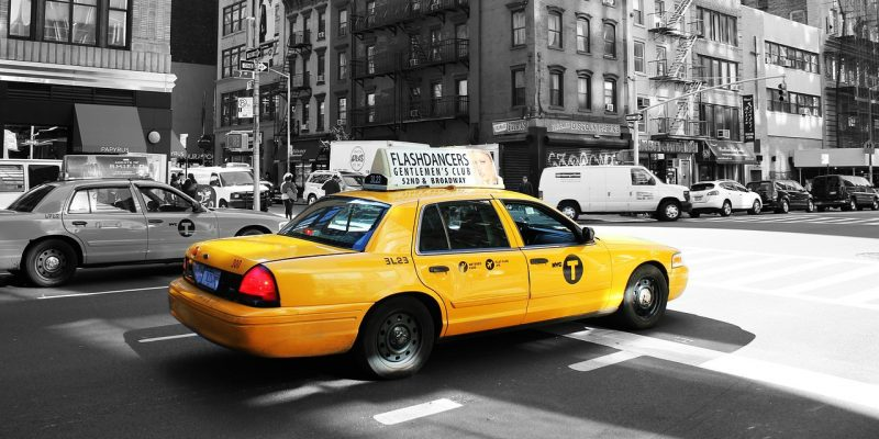 taxi (image by laurapuig4 [CC0] via pixabay)