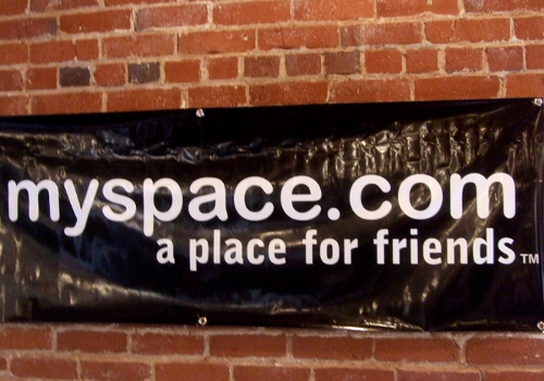 MySpace Lunch 2.0 (adapted) (Image by Andrew Mager [CC BY-SA 2.0] via Flickr)