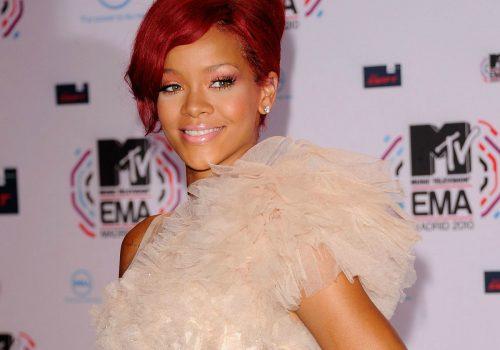 Rihanna (adapted) (Image by avrilllllla [CC BY 2.0] via Flickr)