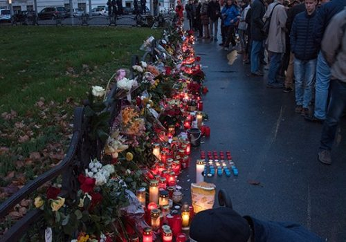 solidarity-with-the-victims-of-the-paris-attacks-in-november-2015-image-by-christian-michelides-cc-by-sa-4-0-via-wikimedia-commons
