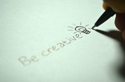 handgeschrieben, Glühbirne, Idee, kreativ, Stift, Papier, weiß, schwarz