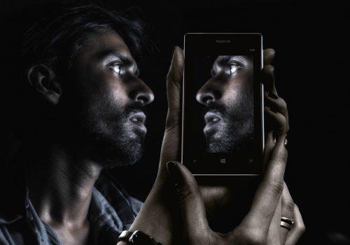 smartphone-image-by-geralt-cc0-public-domain-via-pixabay
