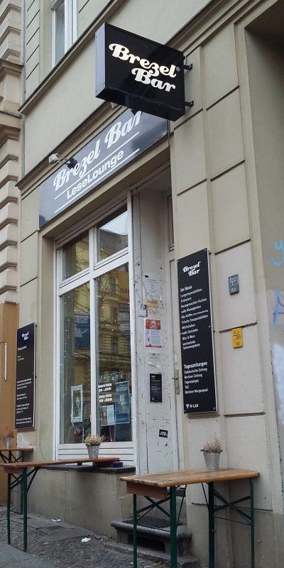 Klein und gemütlich an einem grauen Tag: das Cafe der BrezelBar.