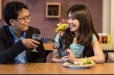 Leute, Tisch, Bar, Tresen, Trinken, Wein, Glas, Date, Rendezvous
