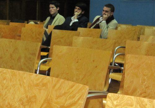 Lliga de debat UB - 2011 (adapted) (Image by Joan Simon [CC BY-SA 2.0] via Flickr)