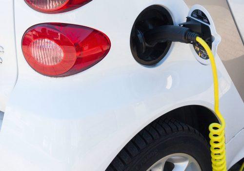 electric-car-image-by-stux-cc0-public-domain-via-pixabay