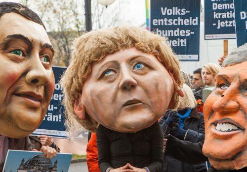 Aktion mit Campact zum bundesweiten Volksentscheid (adapted) (Image by Mehr Demokratie e.V. [CC BY SA 2.0], via flickr)