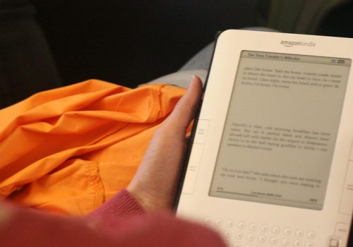 Amazon Kindle II (adapted) (Image by Richard Masoner [CC BY SA 2.0], via flickr)