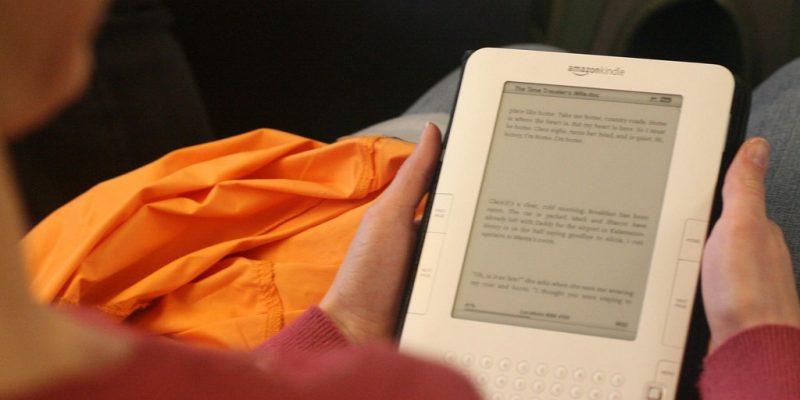 Amazon Kindle II (adapted) (Image by Richard Masoner [CC BY SA 2.0], via flickr)