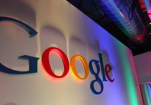Google Logo in Building43 (adapted) (Image by Robert Scoble [CC BY 2.0], via flickr