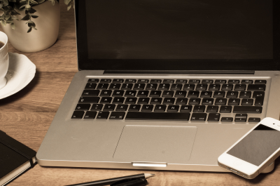 Notebook/Macbook (adapted) (Image by Anka Albrecht [CC BY 2.0] via Flickr)