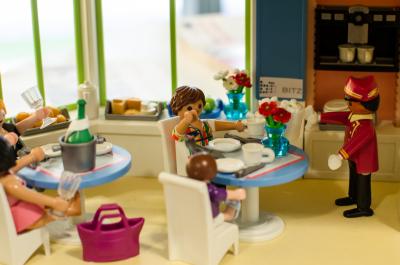 Smart-Home Technologien im Playmobil-Haus des Braunschweiger Informations- und Technologiezentrums (adapted) (Image by wissenschaftsjahr [CC BY 2.0] via Flickr)
