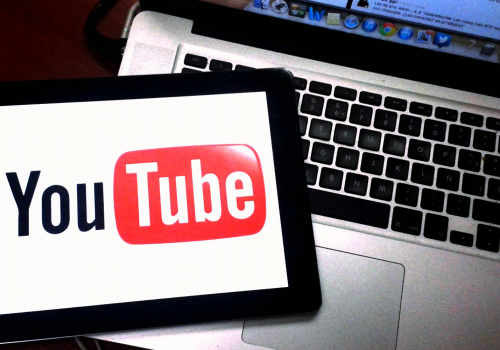Youtube (adapted) (Image by Esther Vargas [CC BY-SA 2.0] via Flickr)
