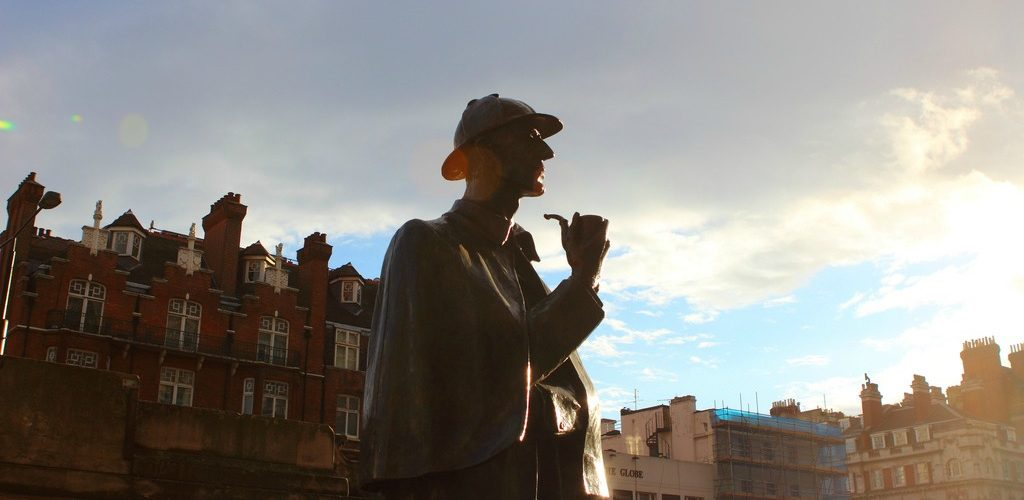 Sherlock Holmes Statue (adapted) (Image by Justin Ennis [CC BY 2.0] via flickr)