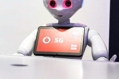 Teaser-5G-Roboter-Vodafone