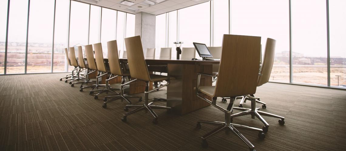 Konferenzraum (adapted) (Image by Unsplash [CC0 Public Domain] via Pixabay)