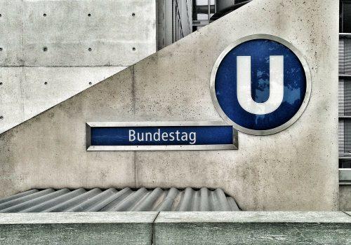 Bundestag (Image by LoboStudioHamburg) (CC0 Public Domain) via Pixabay