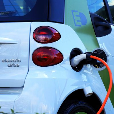 Electric Car (adapted) (Image by MikesPhotos) [CC0] via Pixabay
