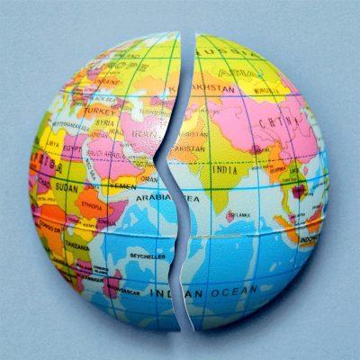 Welt (adapted) (image by quicksandala [CC0] via pixabay)