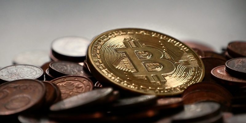 Bitcoin (adapted) (image by MichaelWuensch [CC0] via pixabay