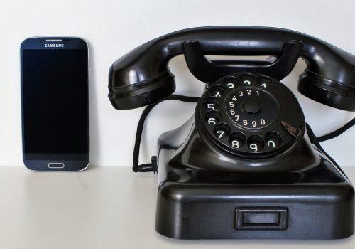 Kommunikation (adapted) (image by Capri23auto [CC0] via picabay)