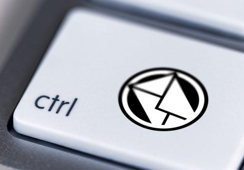 Kontrolle, Tastatur, E-Mail (adapted) (Image by antonynjoro [CC0 Public Domain] via pixabay)