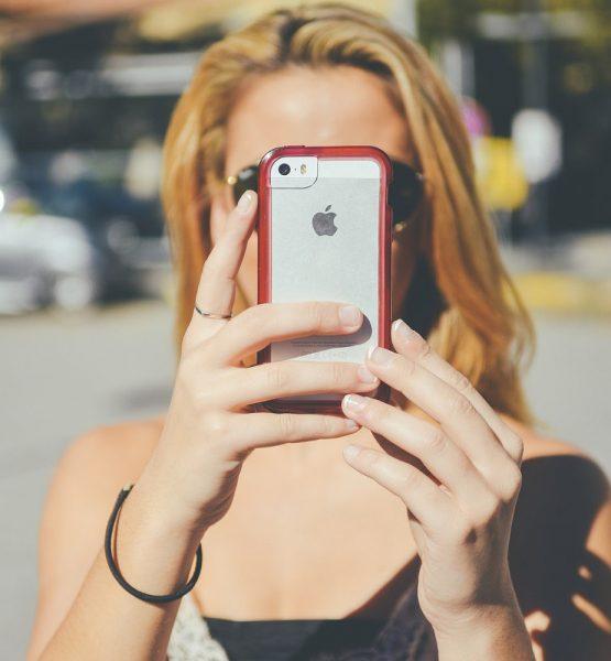 Smartphone (adapted) (Image by janeb13 [CC0 Public Domain] via Pixabay)