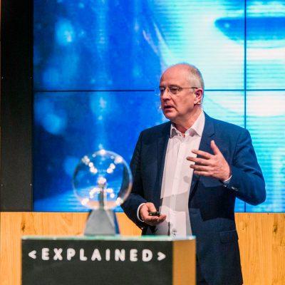 Thomas Langkabel bei Microsoft Explained über Künstliche Intelligenz in der öffentlichen Verwaltung
