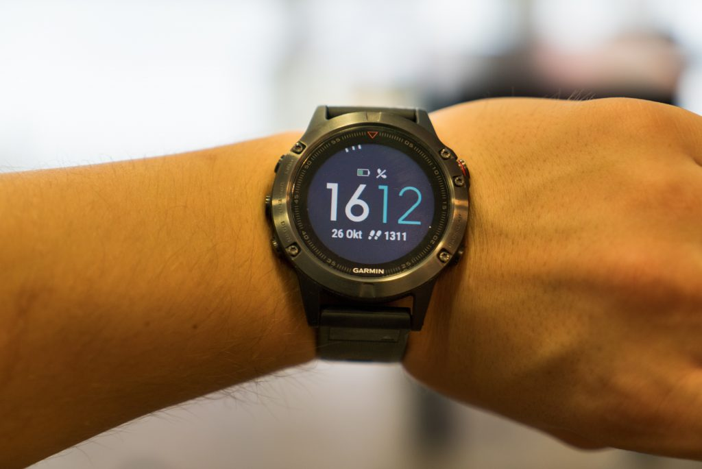 garmin fenix 5 im test es geht auch ohne touch display. Black Bedroom Furniture Sets. Home Design Ideas