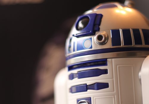 R2D2 - header - Image by Lisa Kneidl