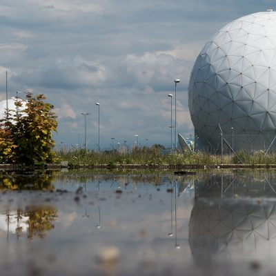 Radar, Funktechnik, Signale (adapted) (Image by stux [CC0 Public Domain] via Pixabay)