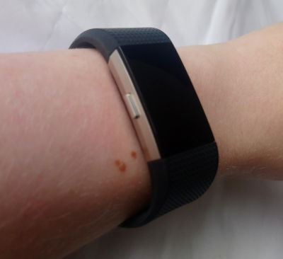 Fitbit Charge 2 Seitenansicht